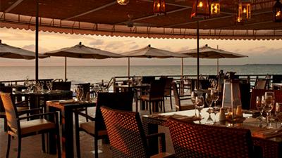 grand cayman marriott resort beach best places to eat