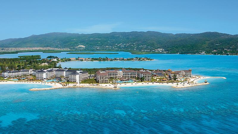 caribbean-spring-break-resorts-secrets-st-james-montego-bay
