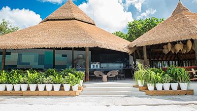 renaissance aruba resort and casino best places to eat caribbean