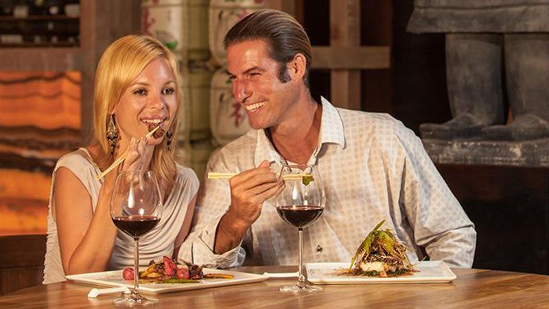 stay at palace resorts dining