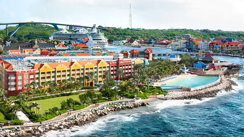 marriot-caribbean-renaissance-curacao-resort