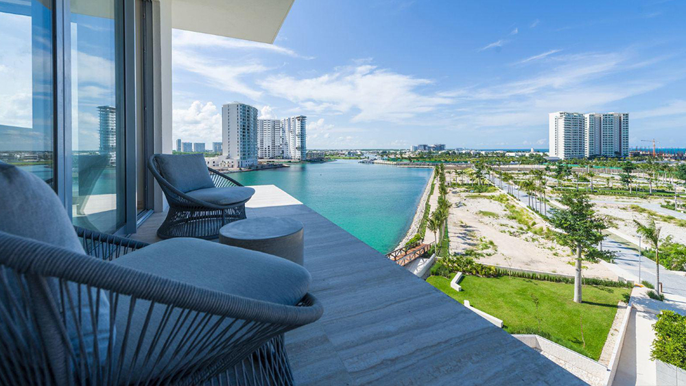 renaissance cancun resort best places to stay