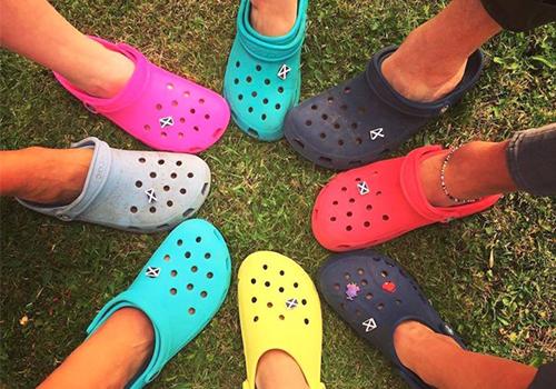 comfortable clogs crocs footwear fashion