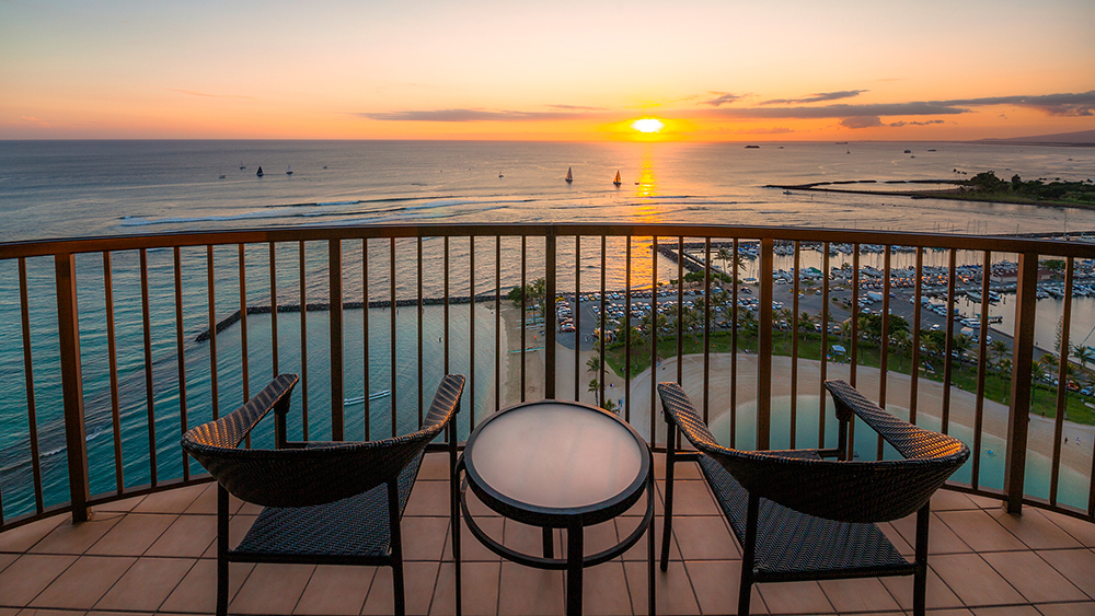 hilton hawaiian village waikiki beach resort honolulu tropical travel