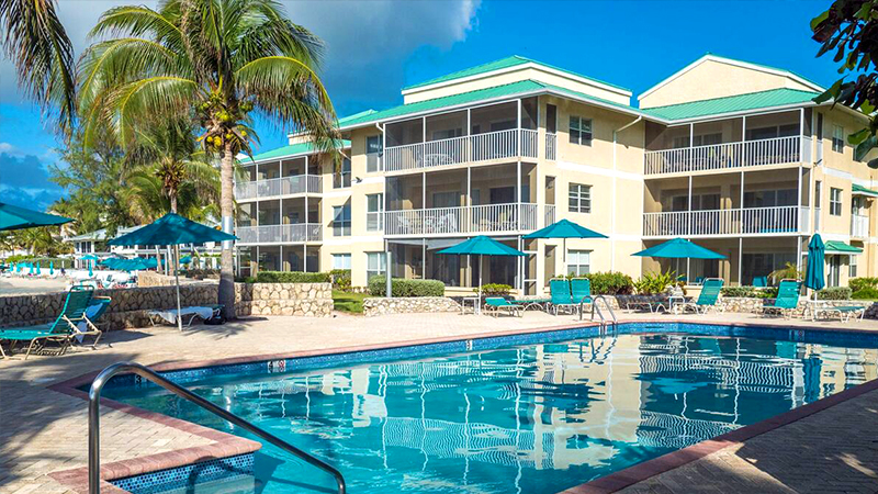 hotels on seven mile beach plantation club vacations condominiums cayman islands