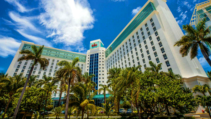 top caribbean party hotels hard rock hotel riviera maya hotel riu cancun mexico luxury resort