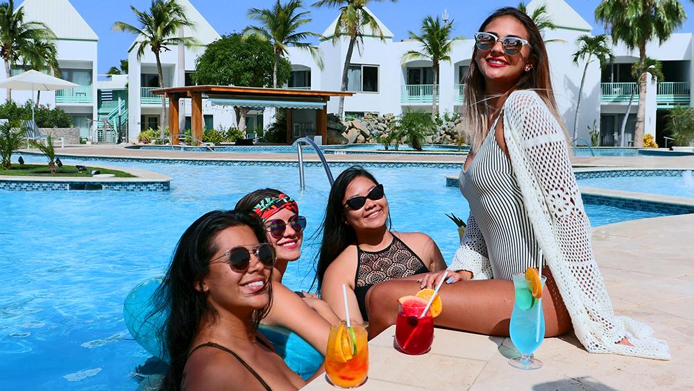 courtyard aruba resort luxury getaway